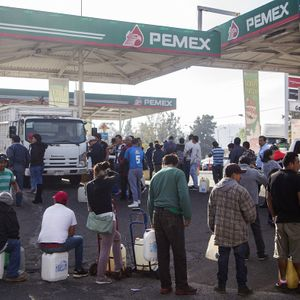 #899: Mexico Fights The Fuel Pirates